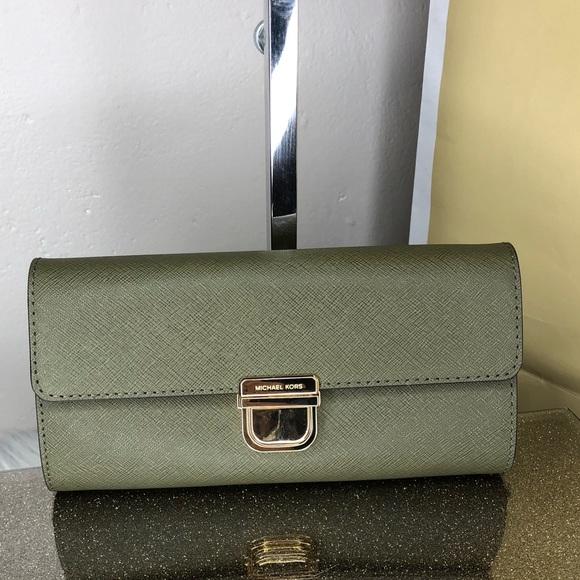 2b50b9d546b8f6 Michael Kors Bags | Bridgette Flap Wallet | Poshmark